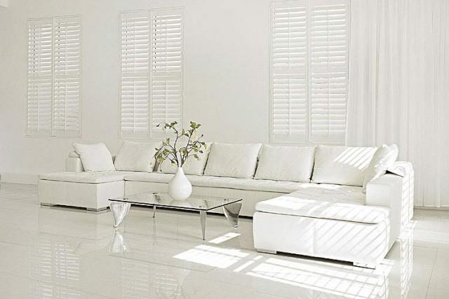 Decorar una casa de color blanco Castelog